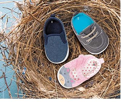 http://assets.liverpool.com.mx/assets/images/categorias/zapatos/bebes-zapato.jpg